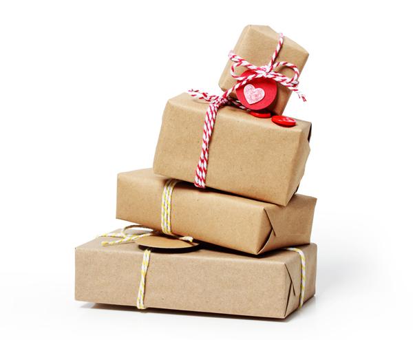 569c0071f881 女友達や同僚、家族など女性へのちょっとしたお礼やお祝いに何を贈るかというのはちょっと悩ましいところですよね。  ここでは予算5,000円前後を目安に、女性に喜ばれる ...